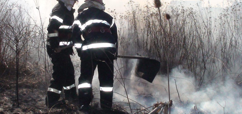 Incendiu pe o suprafata de 114 hectare, in doua zile, pe teritoriul judetului Bihor