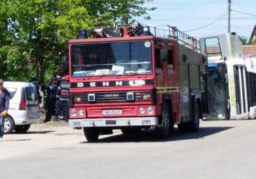 UPDATE: Accident grav in Salonta! O femeie si un bebelus zdrobiti de o basculanta care s-a rasturnat! (FOTO)