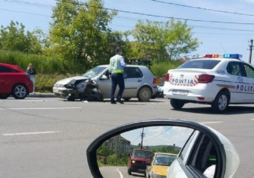 Accident frontal in Sanmartin, din cauza neatentiei la volan