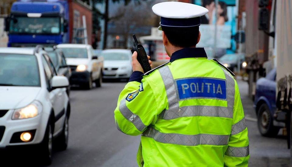 Razie a politistilor bihoreni in Beius si Stei. 247 de persoane legitimate si 187 de autovehicule controlate