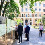 """Realizatorul faţadei fostului Cinema """"Patria"""" din Oradea propune o expoziţie personală la Muzeul Ţării Crişurilor"""