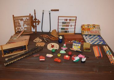 Expozitie de obiecte din vremea parintilor si bunicilor nostri la Muzeul Cetatii Oradea (FOTO)