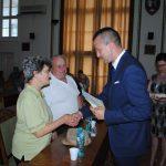 Viceprimarul Florin Birta a premiat familiile care au implinit 50 de ani de casatorie neintrerupta (FOTO)