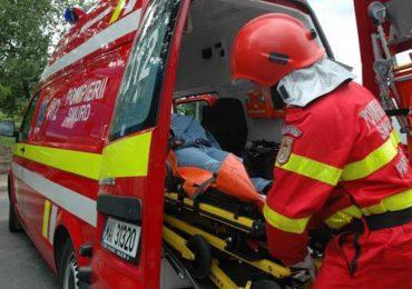 Accident grav, in aceasta dimineata, pe Soseaua Borsului. Soferul unui autoturism a ajuns la spital cu multiple leziuni