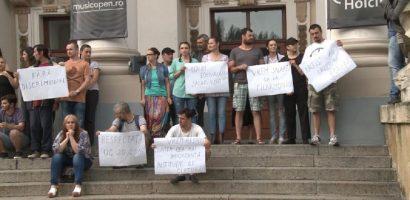 CJ Bihor face precizari legate de protestul actorilor de la Teatrul Regina Maria