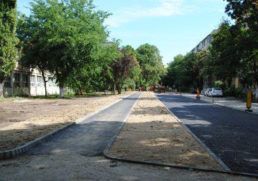 Canalizare, iluminat public si 65 noi locuri de parcare in zona Calea Aradului