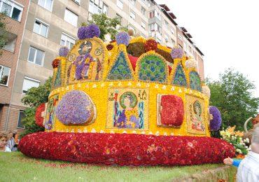 Cinci care alegorice vor sosi maine, 21 august, in Piata Unirii, in cadrul evenimentului Carnavalul Florilor