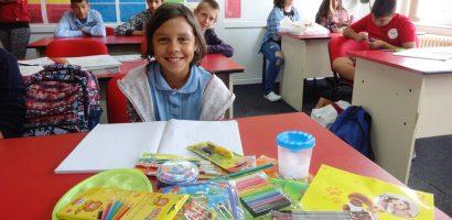 ASCO si Clubul Lions Oradea au oferit rechizite copiilor din Centru de Ingrijire de Zi Oradea
