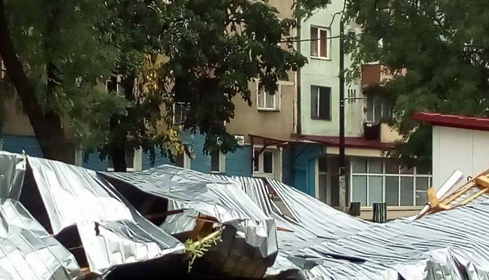 Furtuna a lovit si judetul Bihor. Zeci de raniti, pagube insemnate si sute de localitati fara curent (FOTO)
