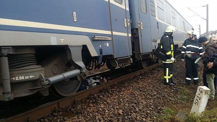 O femeie lovita mortal de un tren in Biharia, nu a putut fi identificata. O cunoaste cineva? (VIDEO)
