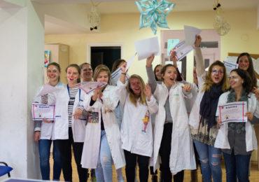 """Final de curs """"Clovni Doctori Super Eroi"""", organizat de Caritas Eparhial"""