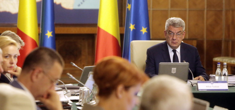 Guvernul a declarat zilele de 14, 15 și 16 decembrie 2017, zile de doliu național în România în memoria Majestății Sale Regele Mihai