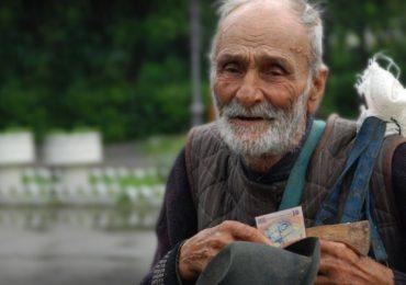 """Proiect comun al asociatiilor Caritas Eparhial si Caritas Catolica din Oradea: """"Alaturi de persoanele sarace"""""""