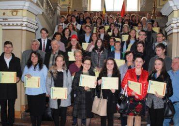 65 de olimpici, cu rezultate deosebite au fost premiati, astazi, de Primaria Oradea