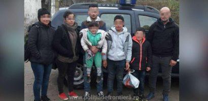 Două familii de cetăţeni irakieni, oprite la frontiera cu Ungaria, la Valea lui Mihai