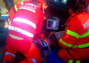 Accident fatal pentru soferul unei utilitare, dupa ce a intrat pe constrasens si s-a lovit frontal de o duba