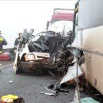 Trei romani au murit si 5 sunt in stare grava la spital, dupa un accident devastator intre Oradea si Budapesta