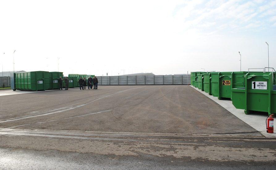 Oradeni resonsabili. Aproape 1200 de tone de deșeuri au fost colectate de la orădeni la centrului de colectare selectivă a deşeurilor