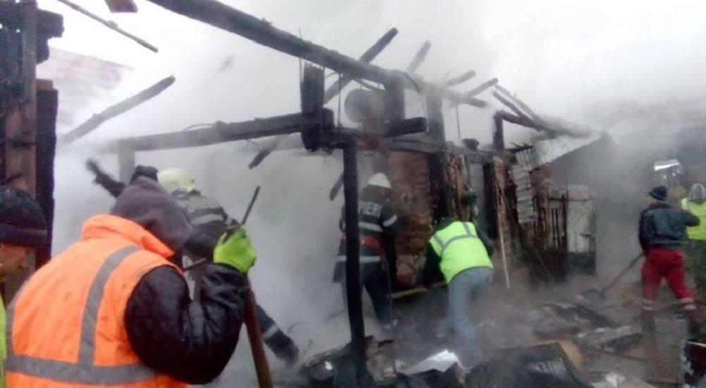 Incendiu la o locuinta din Meziad. O persoana a suferit arsuri, fiind transportata la U.P.U. Oradea