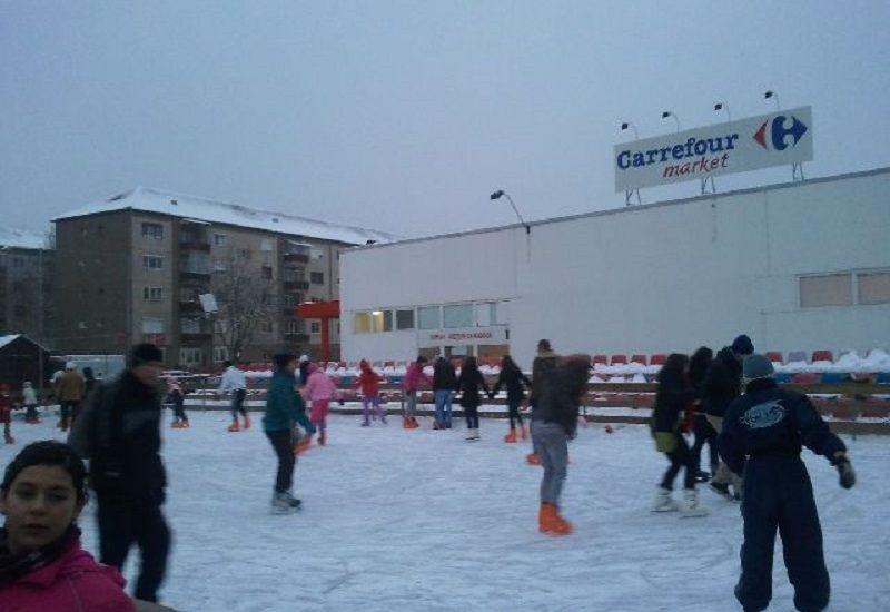 S-a deschis al treilea patinoar in Oradea, il gasiti in Oraselul Copiilor