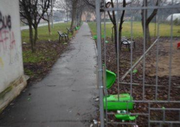 Vandalism in noaptea dintre ani! Primaria Oradea a depus plangere penala pentru distrugere