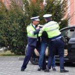 Un barbat din Budureasa retinut de politisti, dupa ce a fost condamnat la aproape 3 ani de inchsoare pentru conducere fara permis