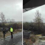 Accident grav langa Ucuris, judetul Bihor. Doi barbati s-au rasturnat cu masina in sant si au ajuns la spital