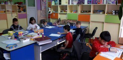 Fii voluntar la Centrul de Ingrijire de Zi din Oradea si ajuta copiii din Centru
