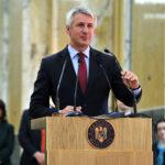 Eugen Teodorovici vrea sa impoziteze si bacsisul incasat de la clienti