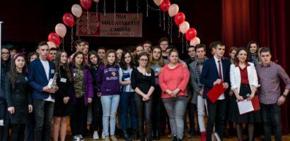 """Ieri a avut loc """"Ziua Voluntarului Caritas"""". Asociatia Caritas si-a premiat performerii"""