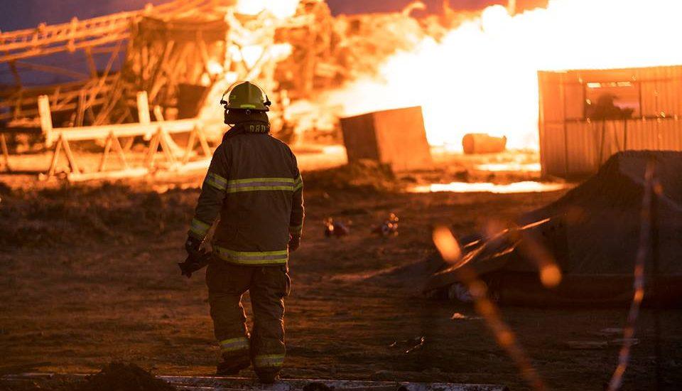 Scrisoare de multumire, din partea unei companii canadiene, pentru pompierii bihoreni, care au ajutat la stingerea unui incendiu de proportii la o sonda de gaz (GALERIE FOTO)
