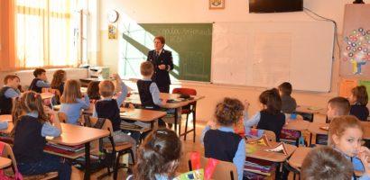 """3000 de elevi si 67 de scoli implicate de politistii bihoreni, in proiectul """"Școala Siguranței Tedi"""" (FOTO)"""