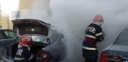 Incendiu intr-o parcare din Marghita. Un pompier aflat in timpul liber a salvat doua masini