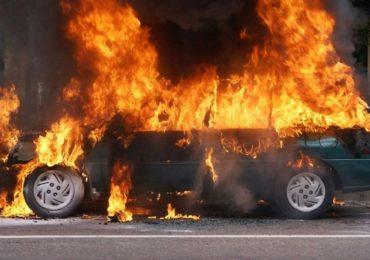 O masina a luat foc, pe Calea Aradului din Oradea