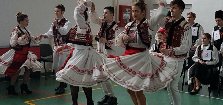 Valorile si traditiile bihorene promovate de 100 de elevi de la scolile din judetul Bihor