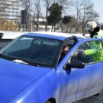 Martisore pentru doamne si domnisoare oferite azi, 1 martie, de politistii bihoreni (FOTO)