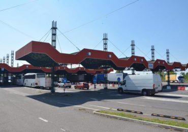 Măsuri de fluidizare la graniţa cu Ungaria, dupa reluarea traficului pentru camioane
