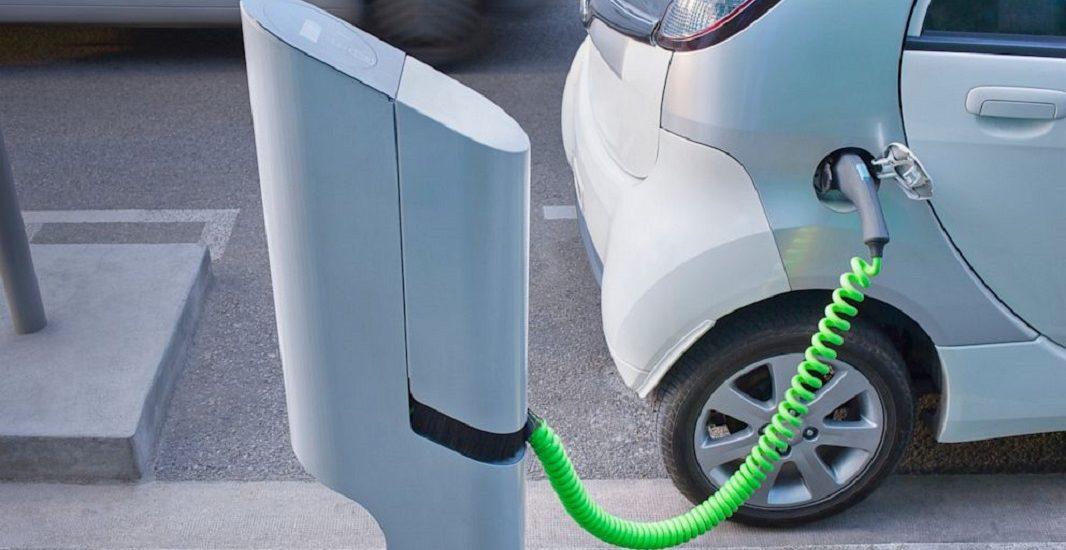 De luni, romanii isi pot achizitiona un autoturism electric prin Programul Rabla Plus