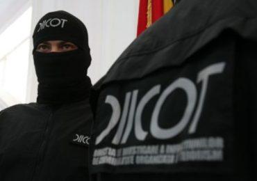 20 de persoane, membre ale unui grup specializat in trafic de droguri, retinute de politistii bihoreni