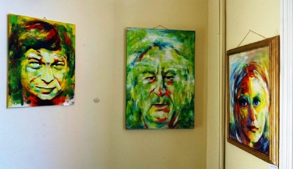 Expozitie de portrete a artistului vizual Liana Corb, in Turnul Primariei