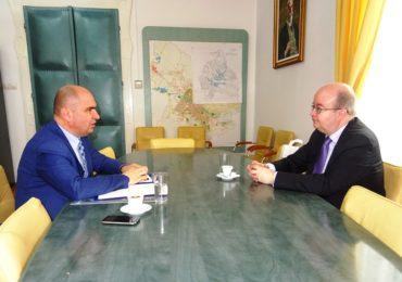 Ambasadorul Marii Britanii, in vizita la Oradea, interesat de diverse proiecte comune si colaborari