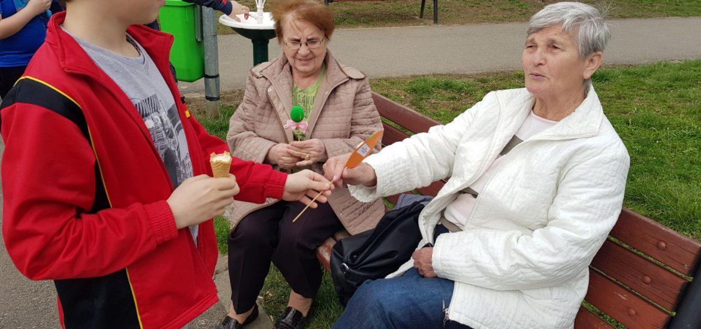 Copiii din Centrul de Zi, din Oradea, au invatat sa daruiasca de Pasti (FOTO)