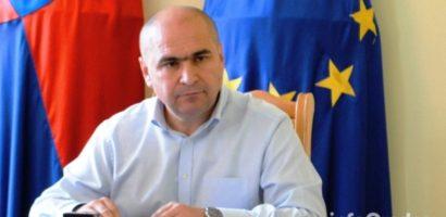 """Ilie Bolojan: """"Zborurile externe de pe Aeroportul Oradea rămân o prioritate pentru noi, chiar dacă aeroportul este administrat de altii"""""""