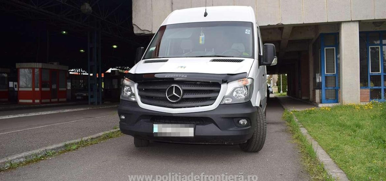 Microbuz Mercedes, in valoare de 30.000 de euro, furat din Italia si depistat in Vama Bors