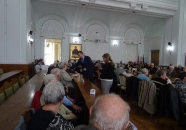 Oradea isi onoreaza batranii, premiind familiile care au implinit 50 de ani de casatorie neintrerupta