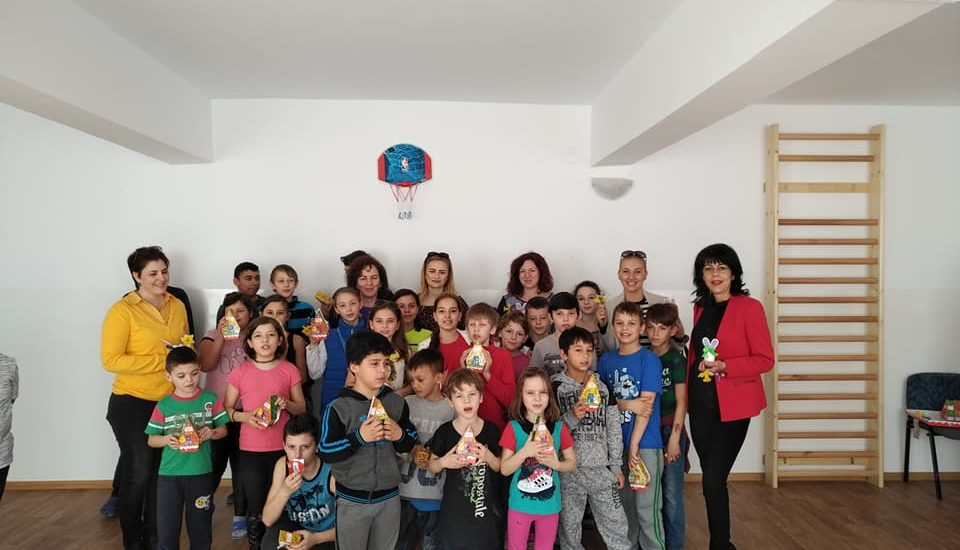 Zâmbete și bucurie pentru copiii de la Centrul de Zi din Oradea, de la femeile liberale