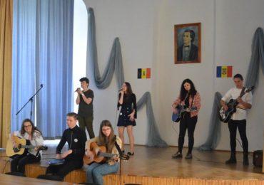 """Punți ale francofoniei – arc peste timp la Colegiul """"Mihai Eminescu"""" (GALERIE FOTO)"""