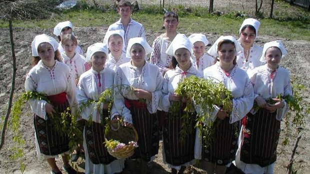 floriile-obiceiuri-si-traditii
