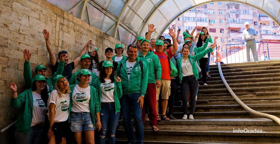 Cif Romania, Lucian Mindruta si zeci de voluntari oradeni au curatat Pasajul Dacia (FOTO/VIDEO)