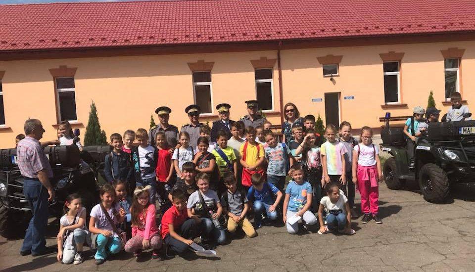"""85 de elevi din Oradea in vizita la ITPF Oradea, in cadrul programului """"Scoala Altfel"""""""